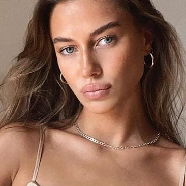 Nicole Poturalski Wiki Bio Age Height Brad Pitt Girlfriend Instagram Net Worth Model Facebook Wikibioage